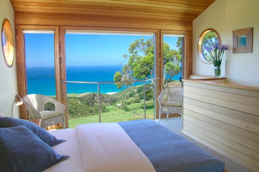 Boathouse upstairs bedroom - wake up to a view to die for!